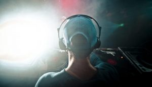 best dj headphones cover photo