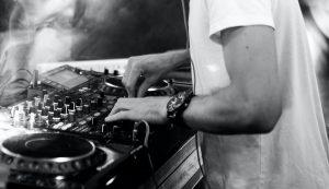 Best DJ Mixer Cover Photo
